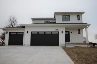 Des Moines Single Family Home For Sale: 5320 Brook Landing Circle