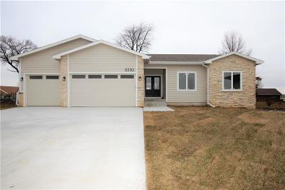 Des Moines Single Family Home For Sale: 5310 Brook Landing Circle
