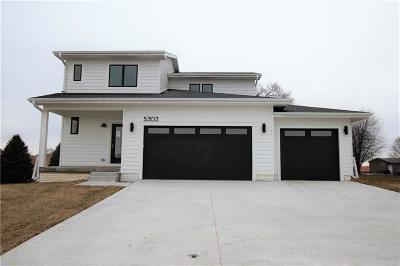 Des Moines Single Family Home For Sale: 5303 Brook Landing Circle