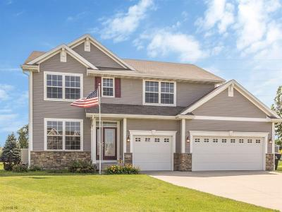 Waukee Single Family Home For Sale: 670 SE Meadowlark Lane