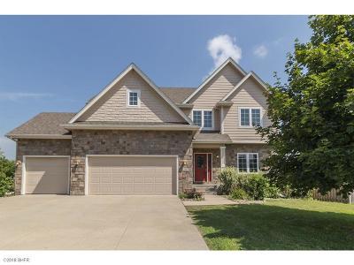 Waukee Single Family Home For Sale: 555 Spyglass Lane