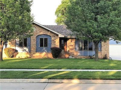 Ankeny Single Family Home For Sale: 717 NW School Street