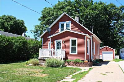 Des Moines Single Family Home For Sale: 2328 44th Street