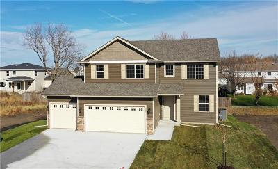 Waukee Single Family Home For Sale: 885 Northview Drive