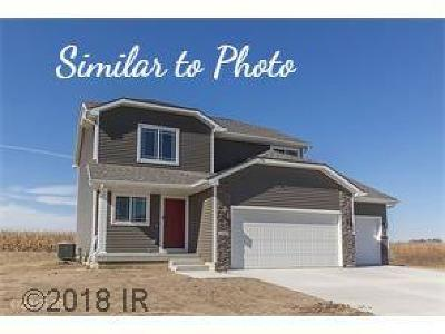 Adel Single Family Home For Sale: 1102 Lynne Drive