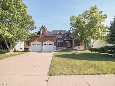 Urbandale Single Family Home For Sale: 14407 Maple Drive