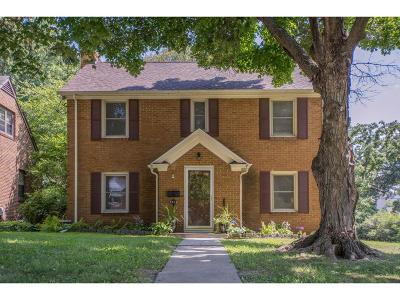 Des Moines Single Family Home For Sale: 5838 Harwood Drive
