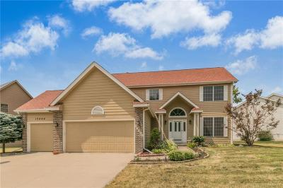 Urbandale Single Family Home For Sale: 13404 Ridgeview Drive