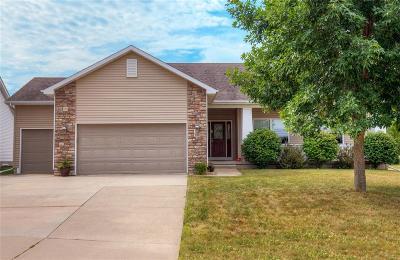 Norwalk Single Family Home For Sale: 330 Crescent Lane