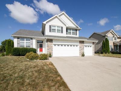 Waukee Single Family Home For Sale: 300 NE Carefree Lane