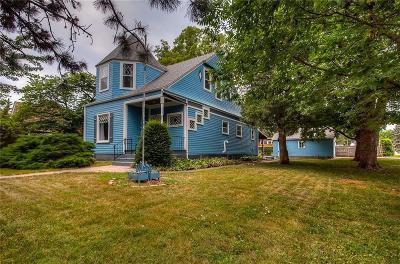 Dallas Center Single Family Home For Sale: 201 Kellogg Avenue