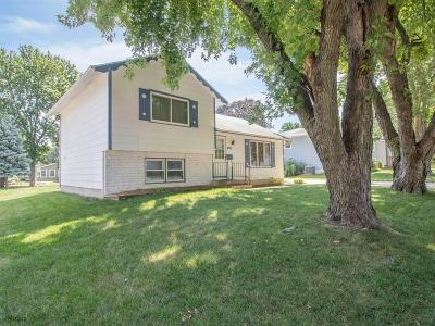 Ankeny Single Family Home For Sale: 301 NE Crestmoor Place