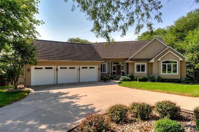 West Des Moines Single Family Home For Sale: 3210 Valley Ridge Court