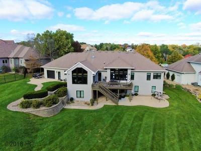 West Des Moines Single Family Home For Sale: 5924 Dogwood Lane
