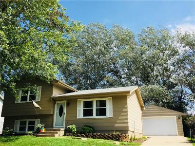 Norwalk Single Family Home For Sale: 1222 Hunter Drive