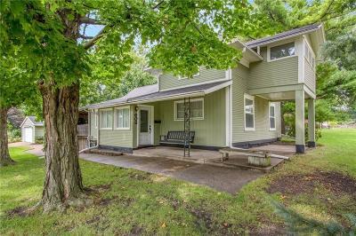Altoona Single Family Home For Sale: 608 2nd Avenue SW