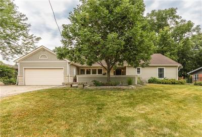 Des Moines Single Family Home For Sale: 3800 River Oaks Drive