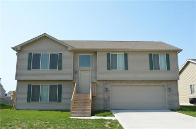 Bondurant Single Family Home For Sale: 800 Jefferson Avenue SE