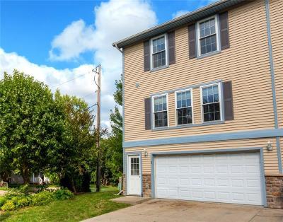 Des Moines Condo/Townhouse For Sale: 936 McKinley Avenue #1