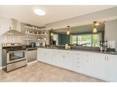 Urbandale Single Family Home For Sale: 3809 82nd Street