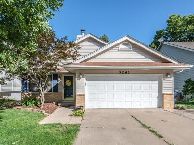 Urbandale Single Family Home For Sale: 7089 Hickory Lane