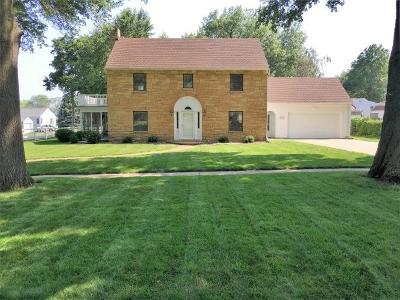 Single Family Home Sold: 1301 College Boulevard