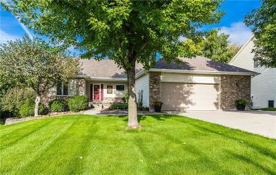 Johnston Single Family Home For Sale: 6836 Morningside Circle