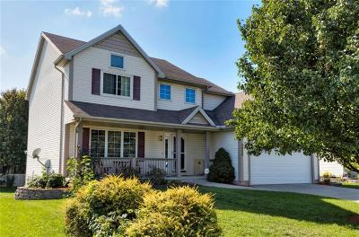 Urbandale Single Family Home For Sale: 5020 68th Street