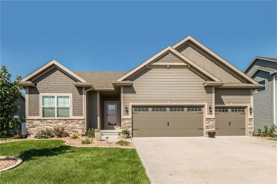 Waukee Single Family Home For Sale: 412 NE Westgate Drive NE