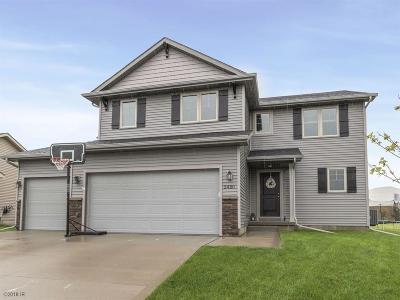 Waukee Single Family Home For Sale: 2480 SE Stone Prairie Drive