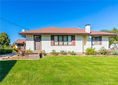 Waukee Single Family Home For Sale: 135 Northview Drive