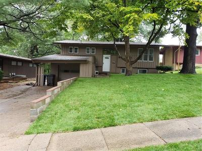 Des Moines Single Family Home For Sale: 6114 Windsor Drive