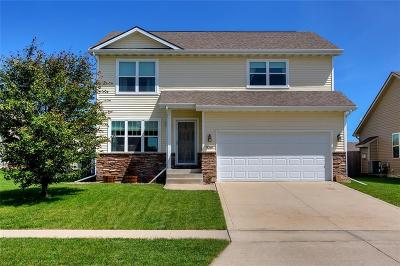 West Des Moines Single Family Home For Sale: 9369 Red Sunset Drive