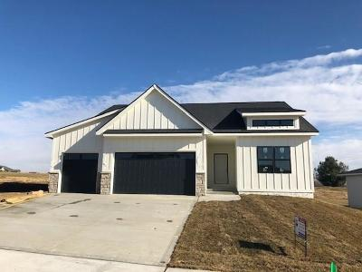 Norwalk Single Family Home For Sale: 1114 Warrior Run Drive