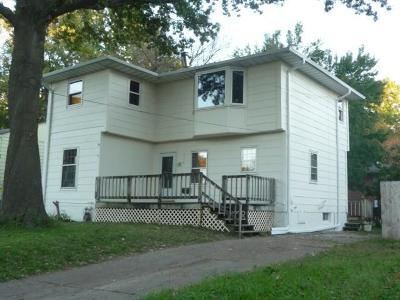 Des Moines IA Single Family Home For Sale: $128,000