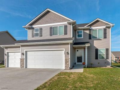 Bondurant Single Family Home For Sale: 404 Chayse Street SW