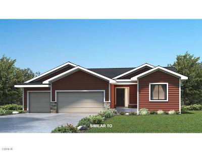 Waukee Single Family Home For Sale: 380 NW 1st Street