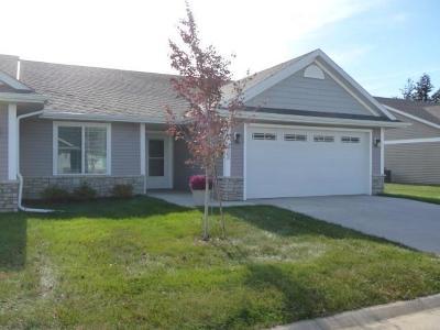Des Moines Condo/Townhouse For Sale: 2303 E Highview Drive