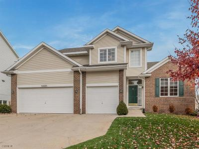 Urbandale Single Family Home For Sale: 14425 Briarwood Lane