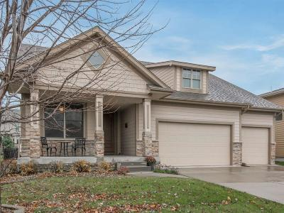 West Des Moines Single Family Home For Sale: 8266 Heritage Bend Road