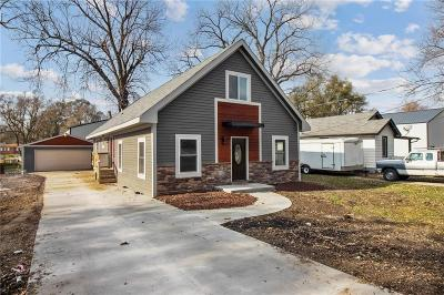 Des Moines Single Family Home For Sale: 4244 NE 7th Street