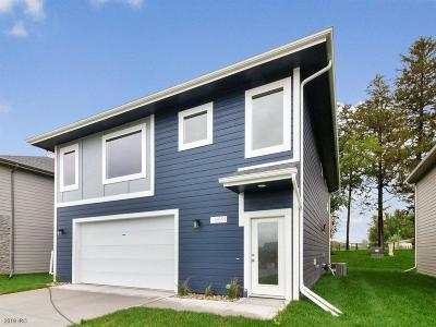 West Des Moines Single Family Home For Sale: 8891 Primo Lane