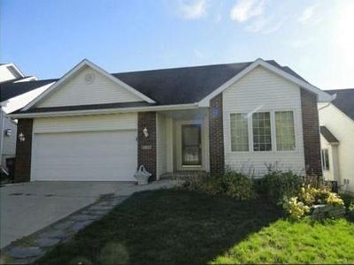 Des Moines Single Family Home For Sale: 3226 Village Run Drive