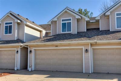 West Des Moines Condo/Townhouse For Sale: 6800 Ashworth Road #302