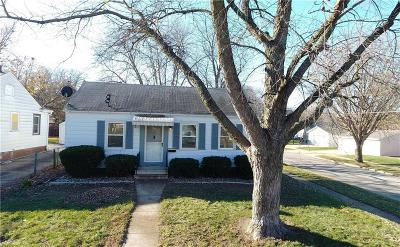 Des Moines Single Family Home For Sale: 2424 39th Street