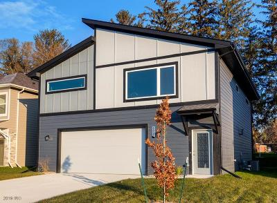 West Des Moines Single Family Home For Sale: 8857 Primo Lane