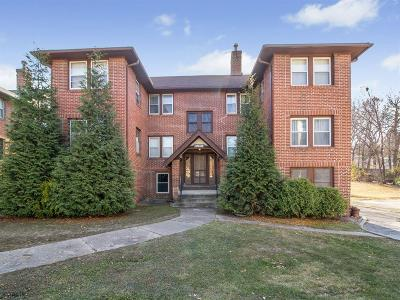 Des Moines Condo/Townhouse For Sale: 3940 University Avenue #2