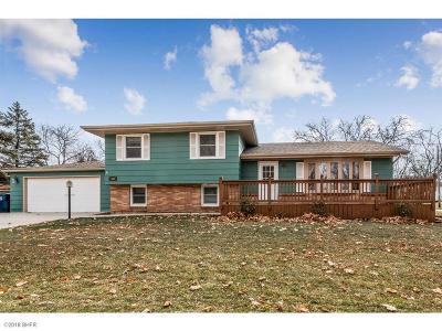 Urbandale Single Family Home For Sale: 6204 Iltis Drive