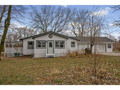 Des Moines Single Family Home For Sale: 2201 E County Line Road