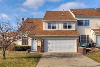 Des Moines Condo/Townhouse For Sale: 3701 Brook Ridge Court #305